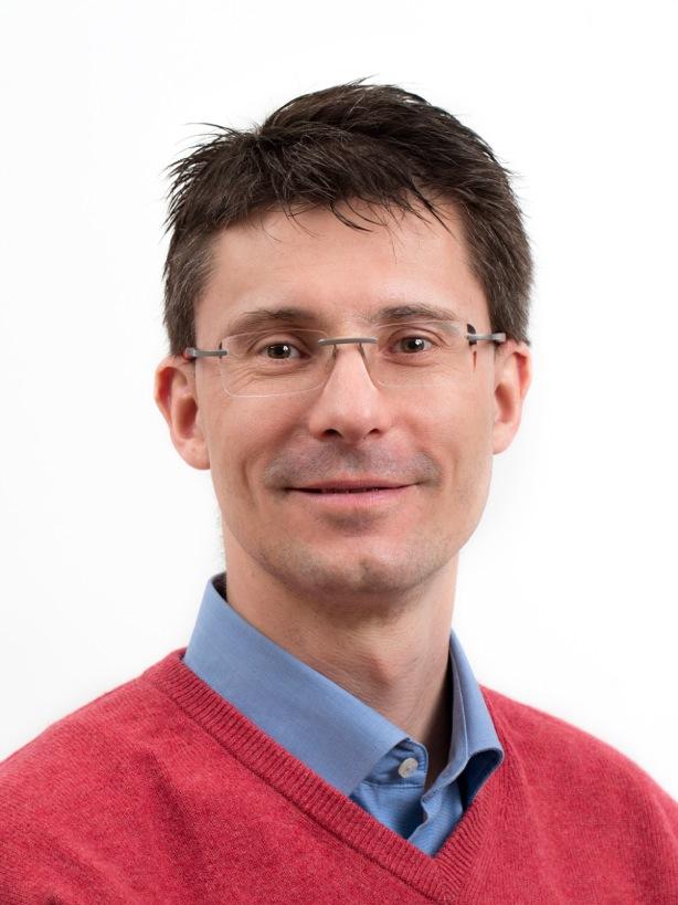 Dr. Michael <br>Baumann